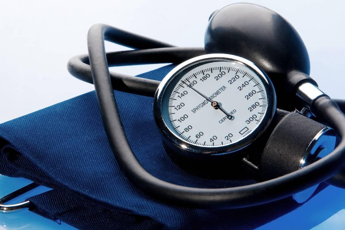 La 'Guía para el abordaje de la hipertensión arterial desde la farmacia comunitaria' lleva asociados un proceso de acreditación y una formación.