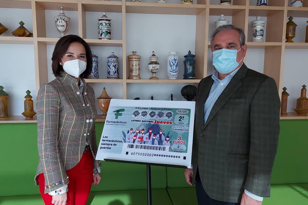 Raquel Martínez y Jesús Aguilar, secretaria general y presidente del Consejo General de Colegios Farmacéuticos.