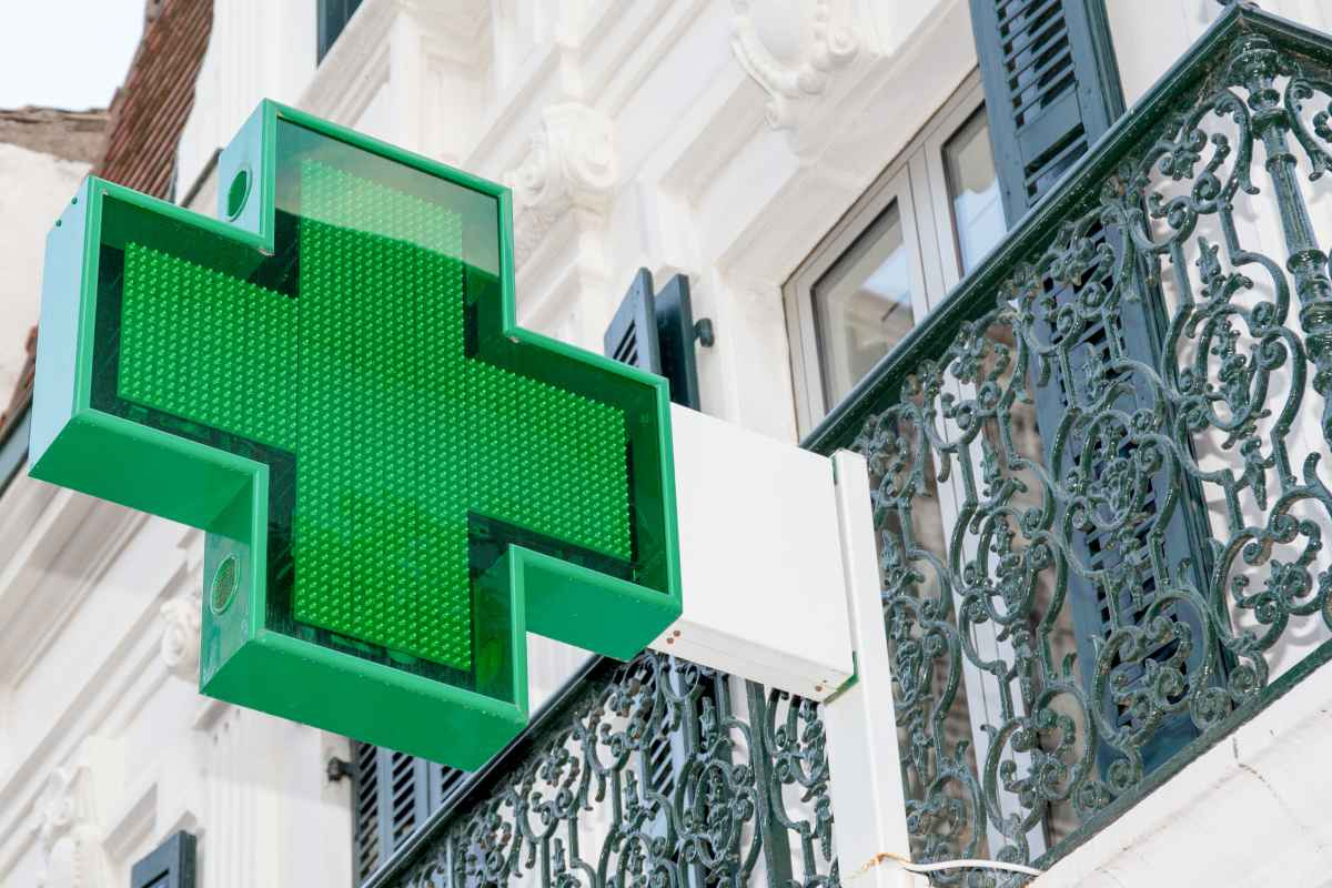 Semap explica que las farmacias no disponen de espacios adecuados para la realización de pruebas diagnósticas de la covid-19 de forma segura para los ciudadanos que acuden a ellos, ni para los trabajadores.