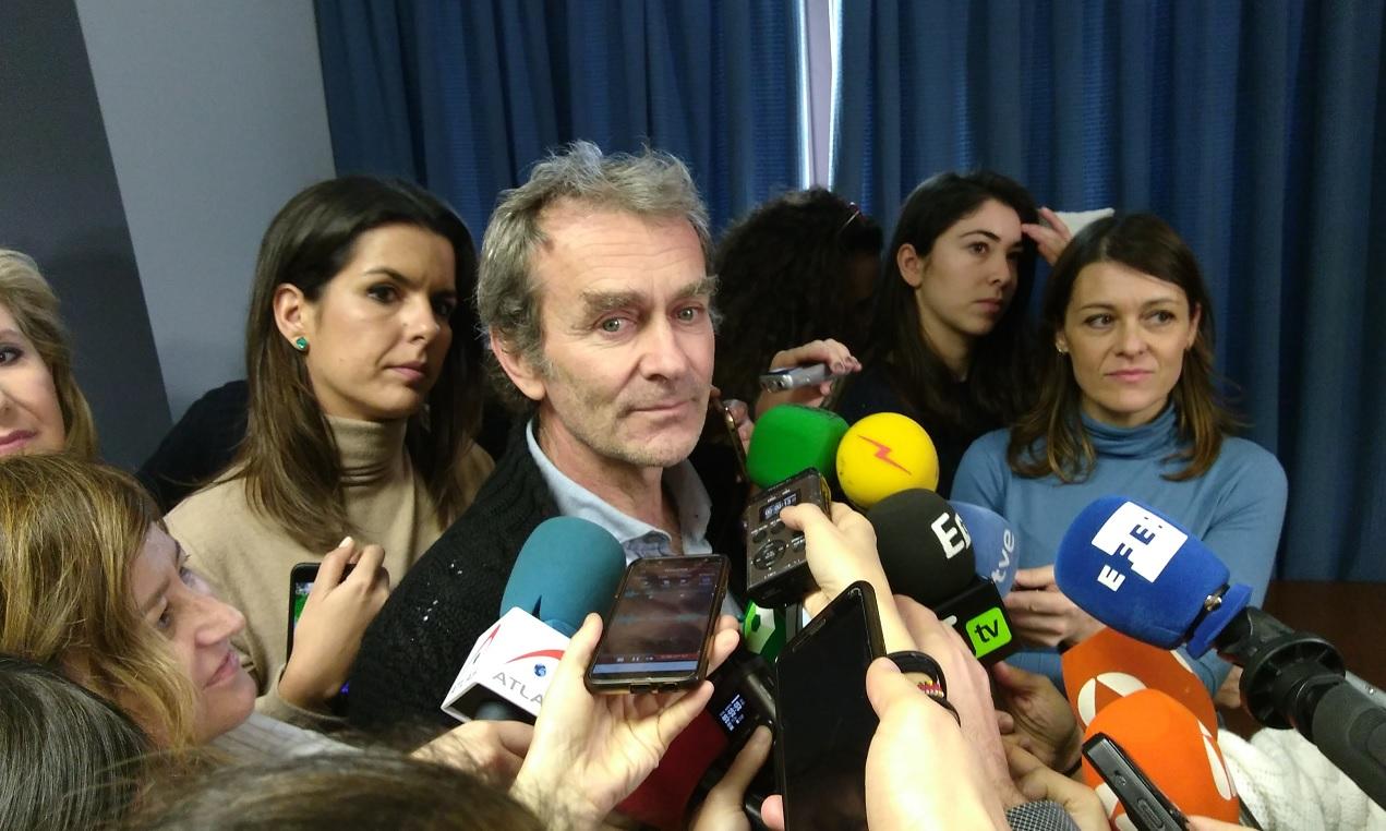 El director del Centro de Alertas y Emergencias Sanitarias, Fernando Simon, respondiendo a preguntas de los periodistas sobre el nuevo coronavirus.
