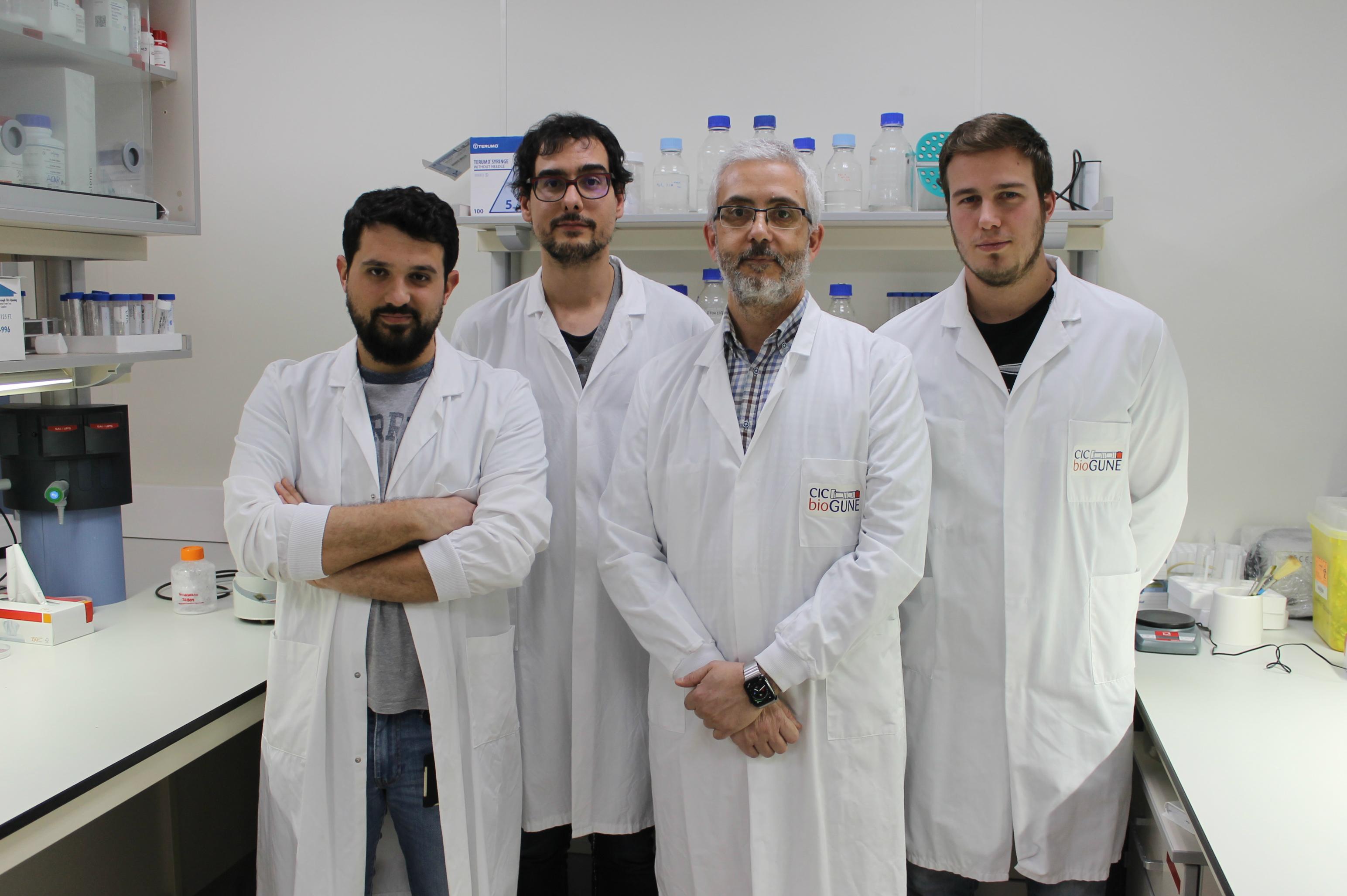 Equipo de Joaquin Castilla, en el centro, en CIC bioGUNE.
