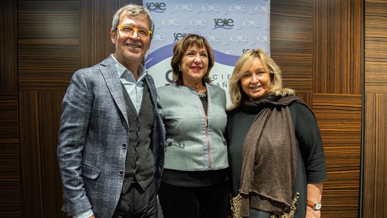 Alberto Morano, Petra Vega y Concha Obregón.