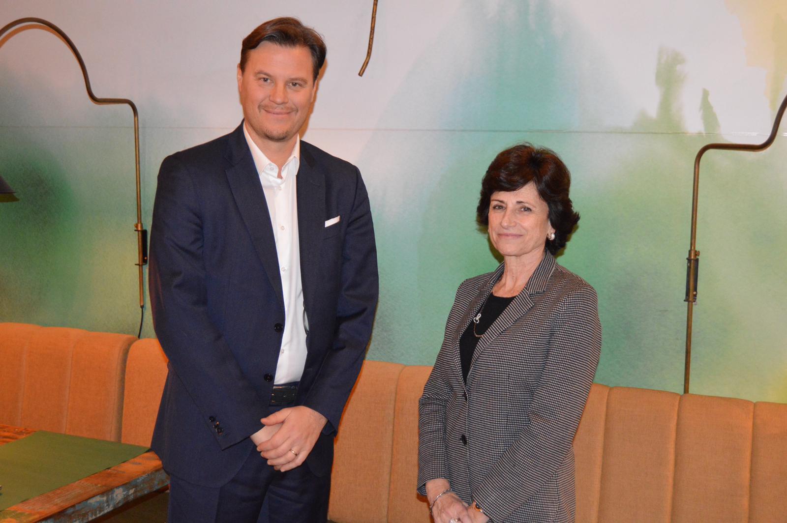 Giuseppe Chiericatti, director general, y Carmen Basolas, directora de Relaciones Institucionales y Thecnical Affairs de Chiesi.
