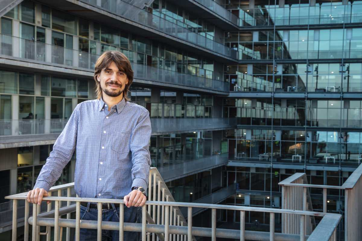 Marc Güell, en el edificio del PRBB de Barcelona.