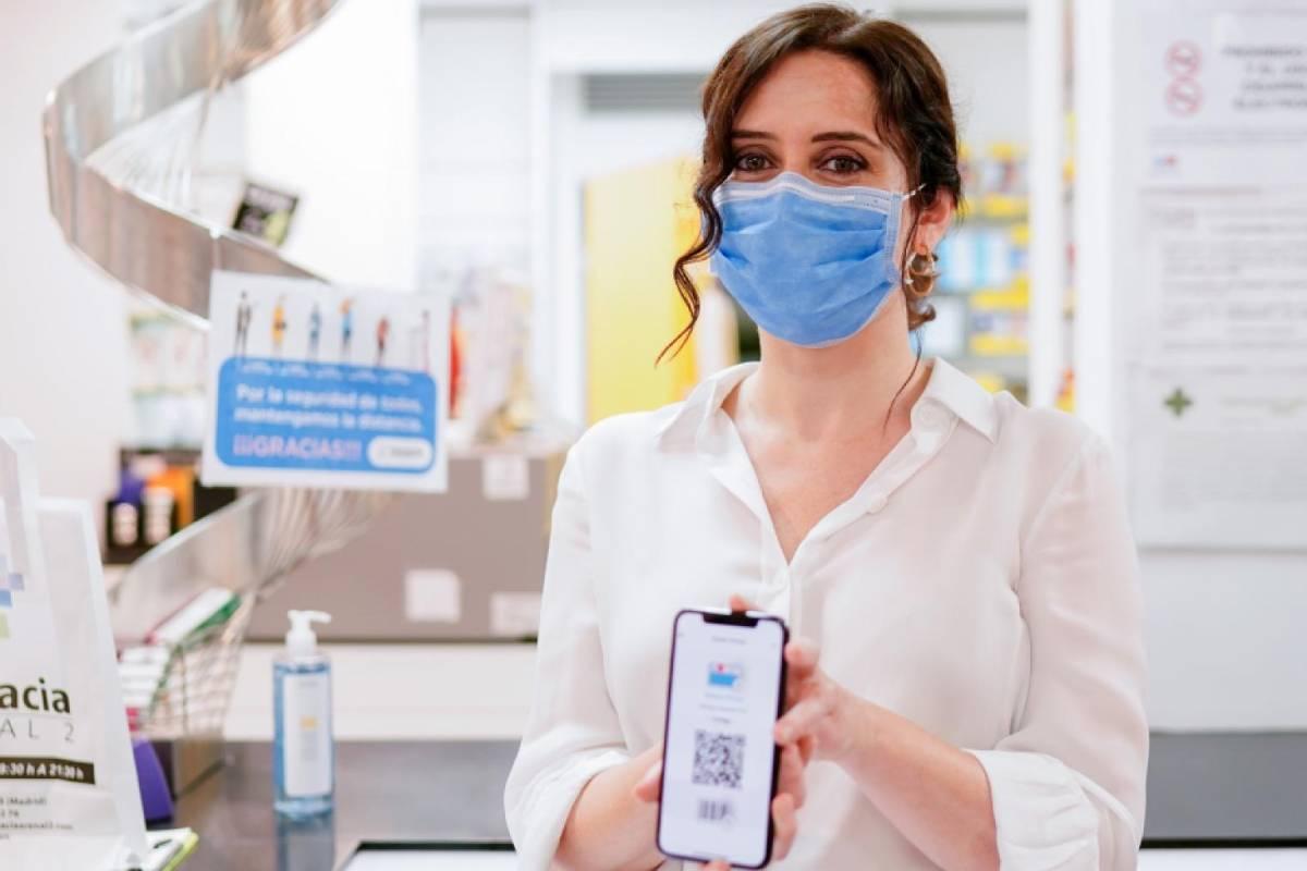 Isabel D�az Ayuso, en la presentación de la tarjeta sanitaria virtual.