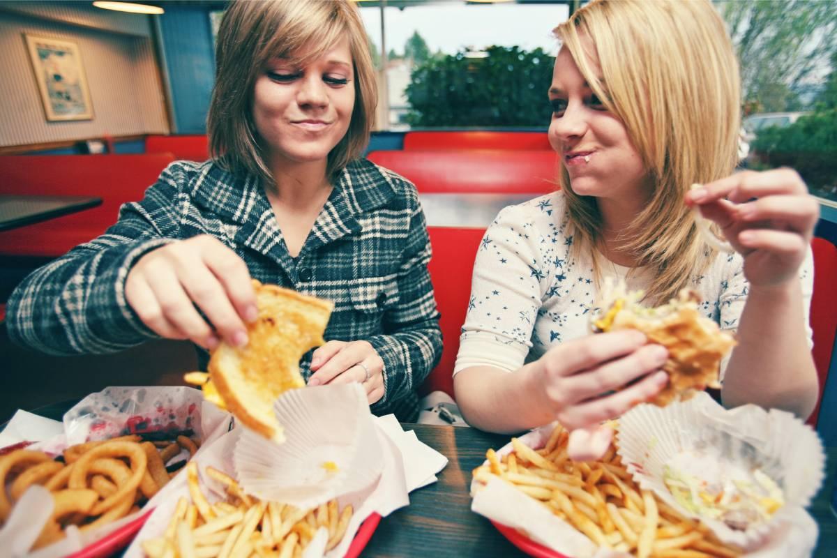 El análisis y manejo de la dieta alimentaria podría convertirse en una herramienta para abordar el abuso de sustancias.