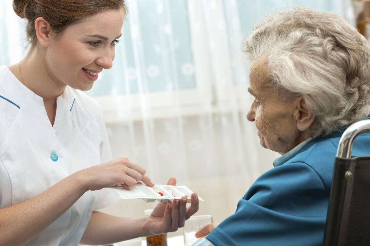 El Blaze-2 ha demostrado la eficacia de bamlanivimab en la profilaxis en ancianos institucionalizados y personal de enfermería.