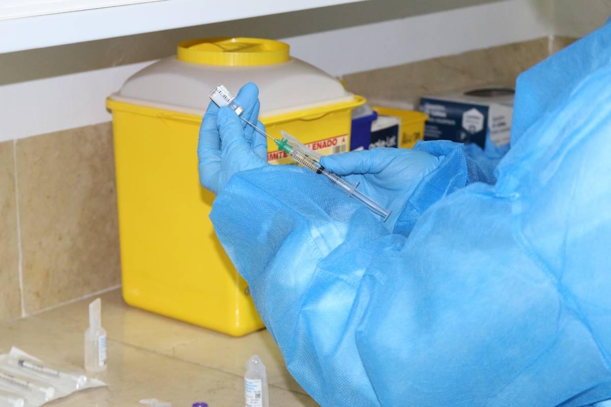 Preparación de una vacuna contra el coronavirus (Foto: Generalitat Valenciana)