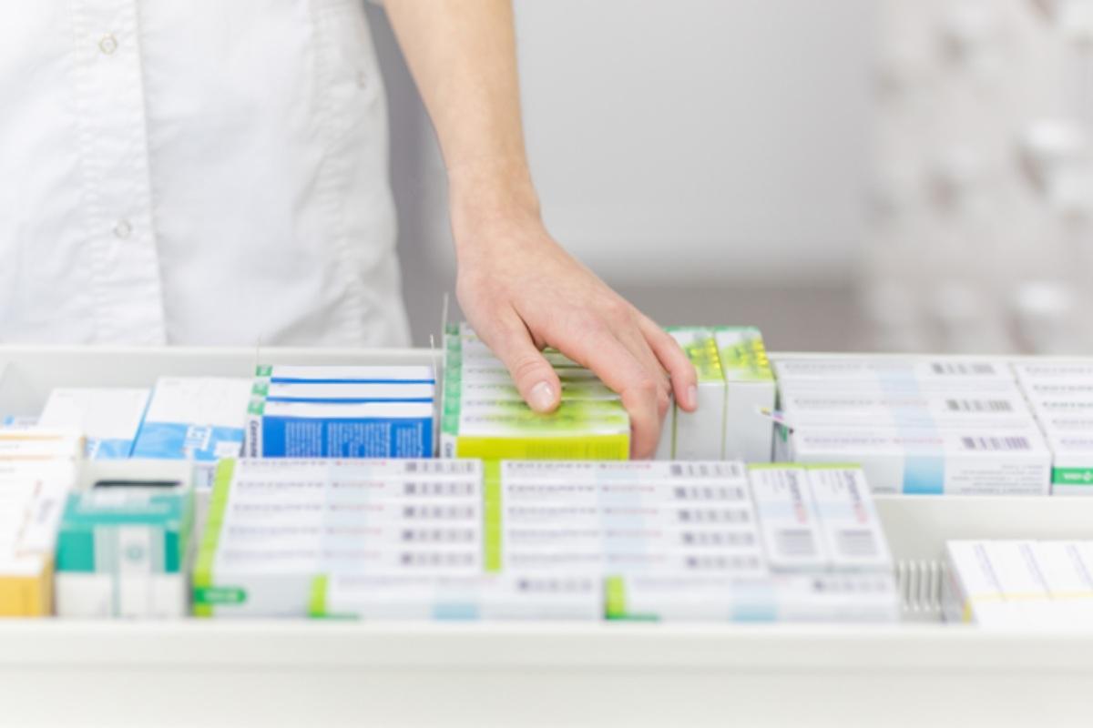 La investigación concluye que la coordinación en la dispensación de medicamentos hospitalarios en farmacias ahorra costes al sistema sanitario y al paciente.