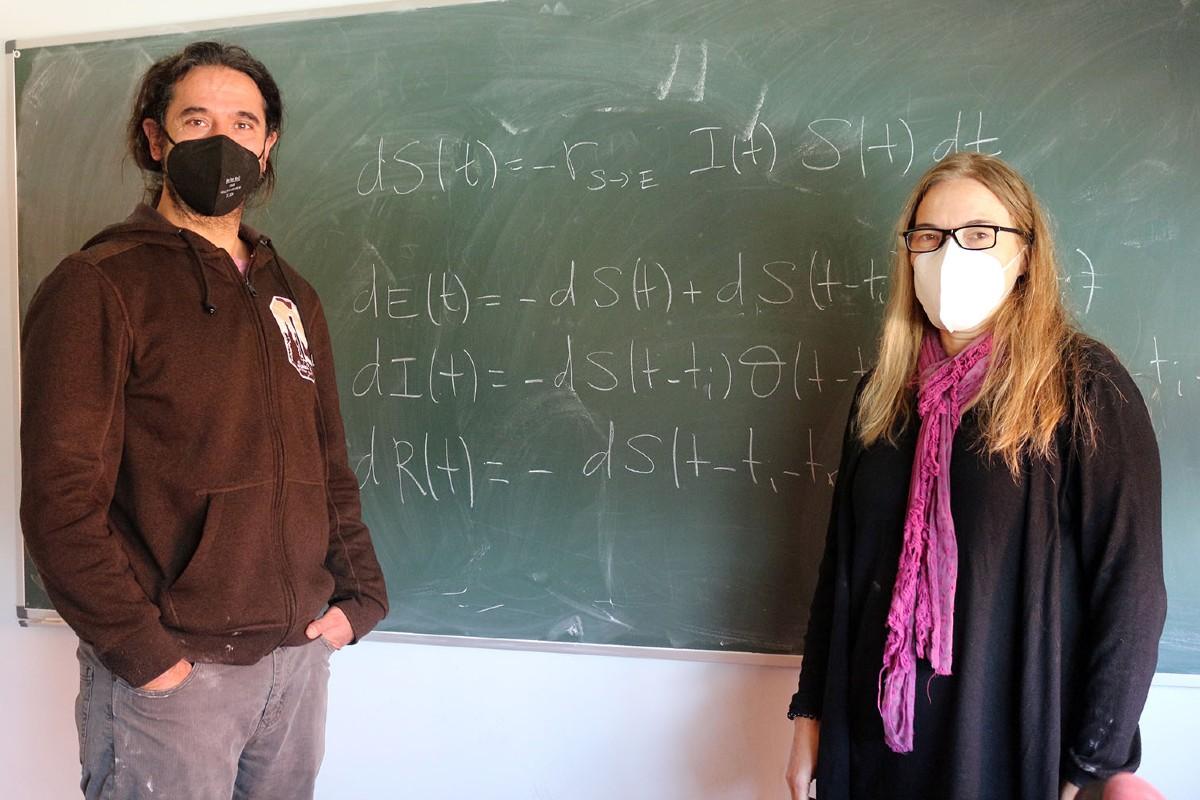 Alberto Ramos y Pilar Hernández.