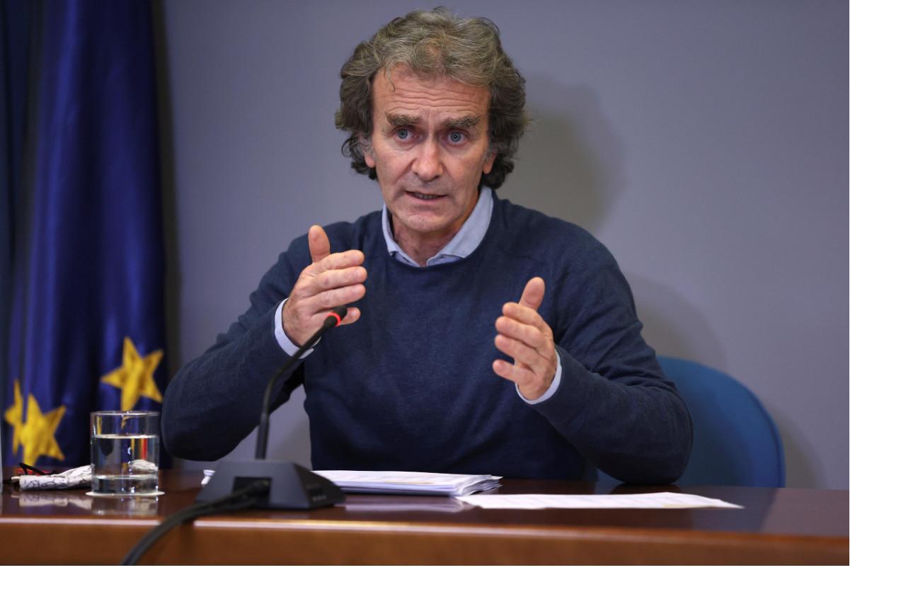 Fernando Simón ha advertido que hay que tener mucho cuidado con las desescaladas porque el ritmo de transmisión sigue siendo muy elevado.