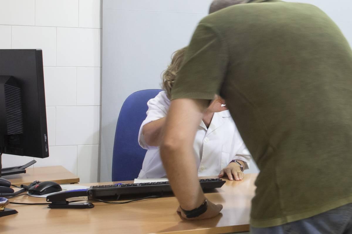 Dramatización de una agresión a una profesional sanitaria (Jaume Cosialls)