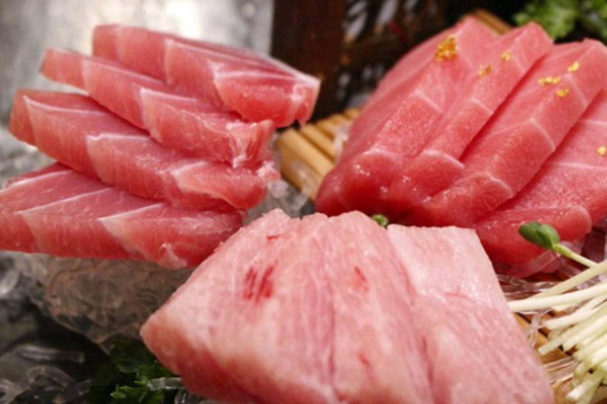 Para alcanzar la cantidad de omega 3 recomendada se aconseja tomar dos raciones semanales de pescado azul.