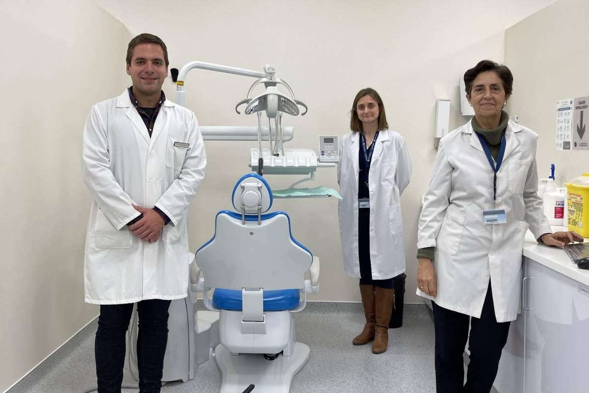 Los profesores de la CEU UCH, Javier Fernández Aguilar, Mar Jovani e Isabel Guillén.