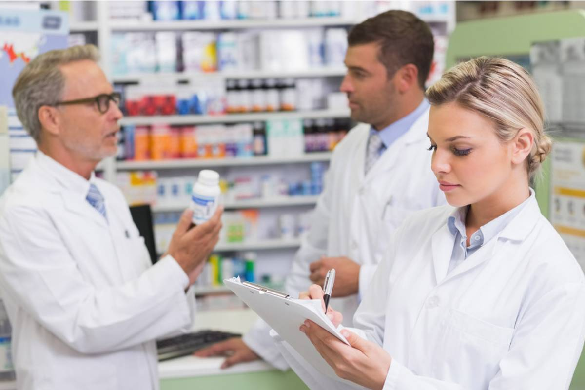 Los pacientes con enfermedades raras acuden con frecuencia a la farmacia; ocho de cada diez, más de una vez al mes.