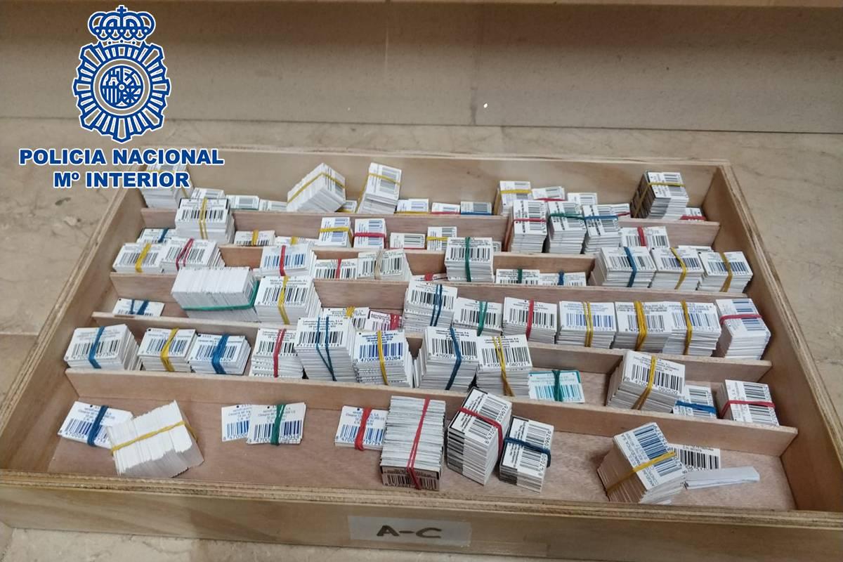 Cupones precinto falsificados en una farmacia de Huelva. / Policía Nacional.