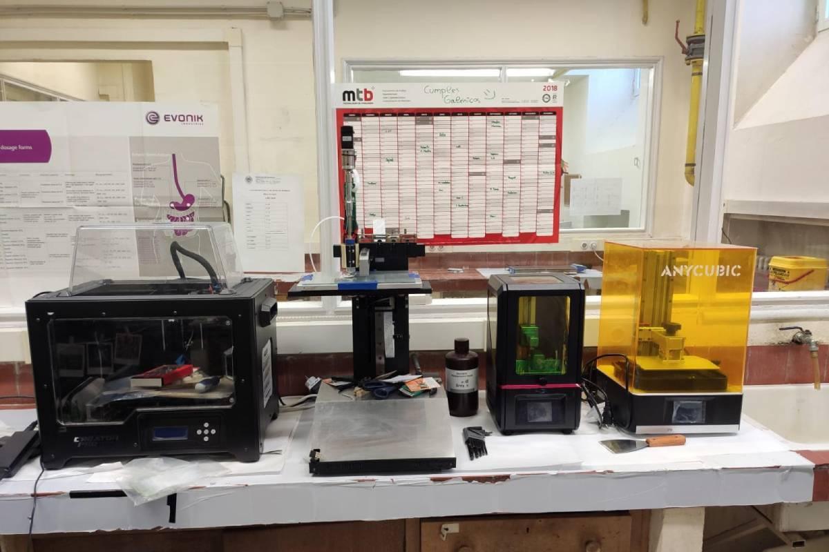 Laboratorio de impresión 3D en el Departamento de Tecnología Farmacéutica de la Facultad de Farmacia liderado por Dolores Serrano.