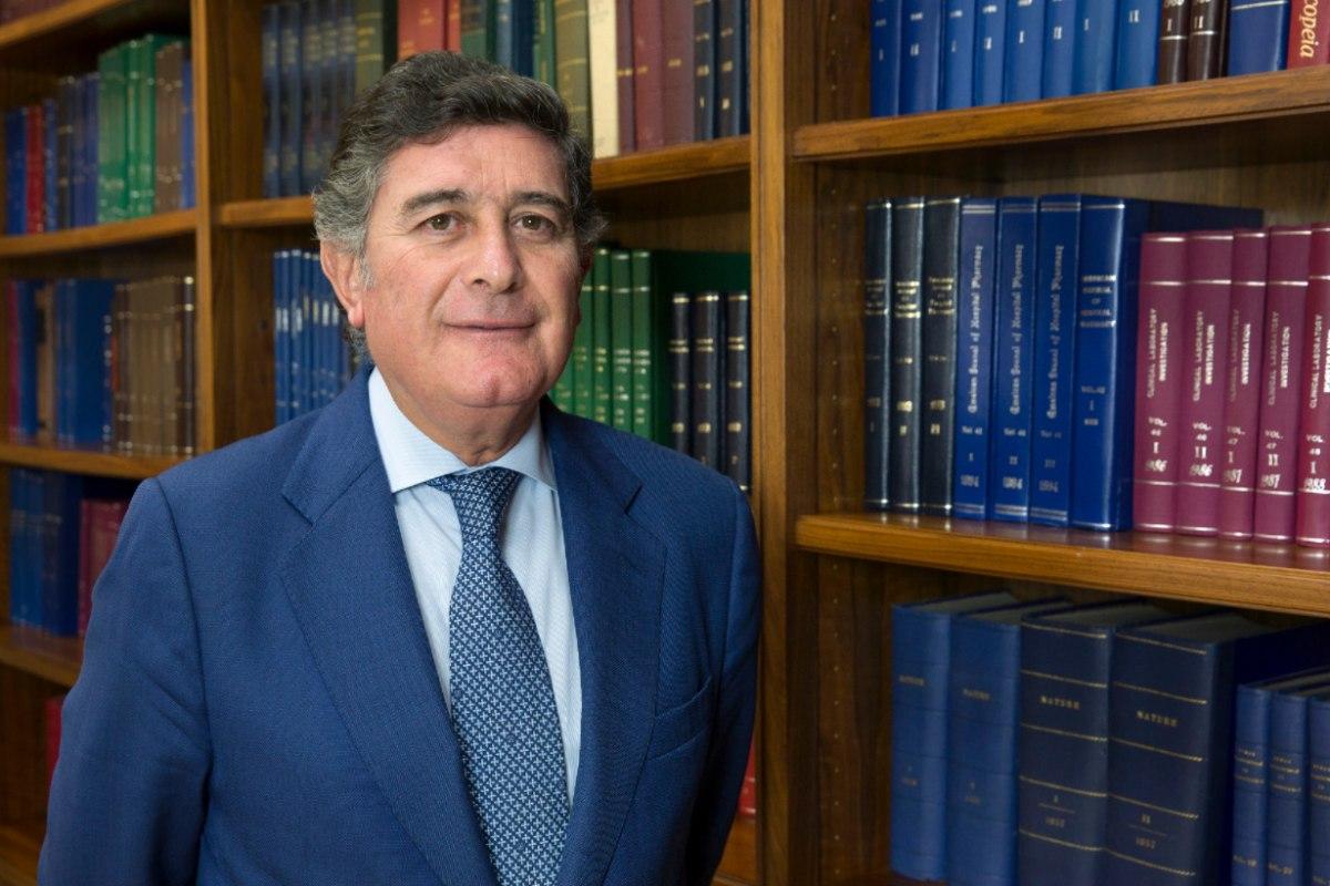 Manuel Pérez, presidente del Colegio de Farmacéuticos de Sevilla y de la Fundación Mehuer.