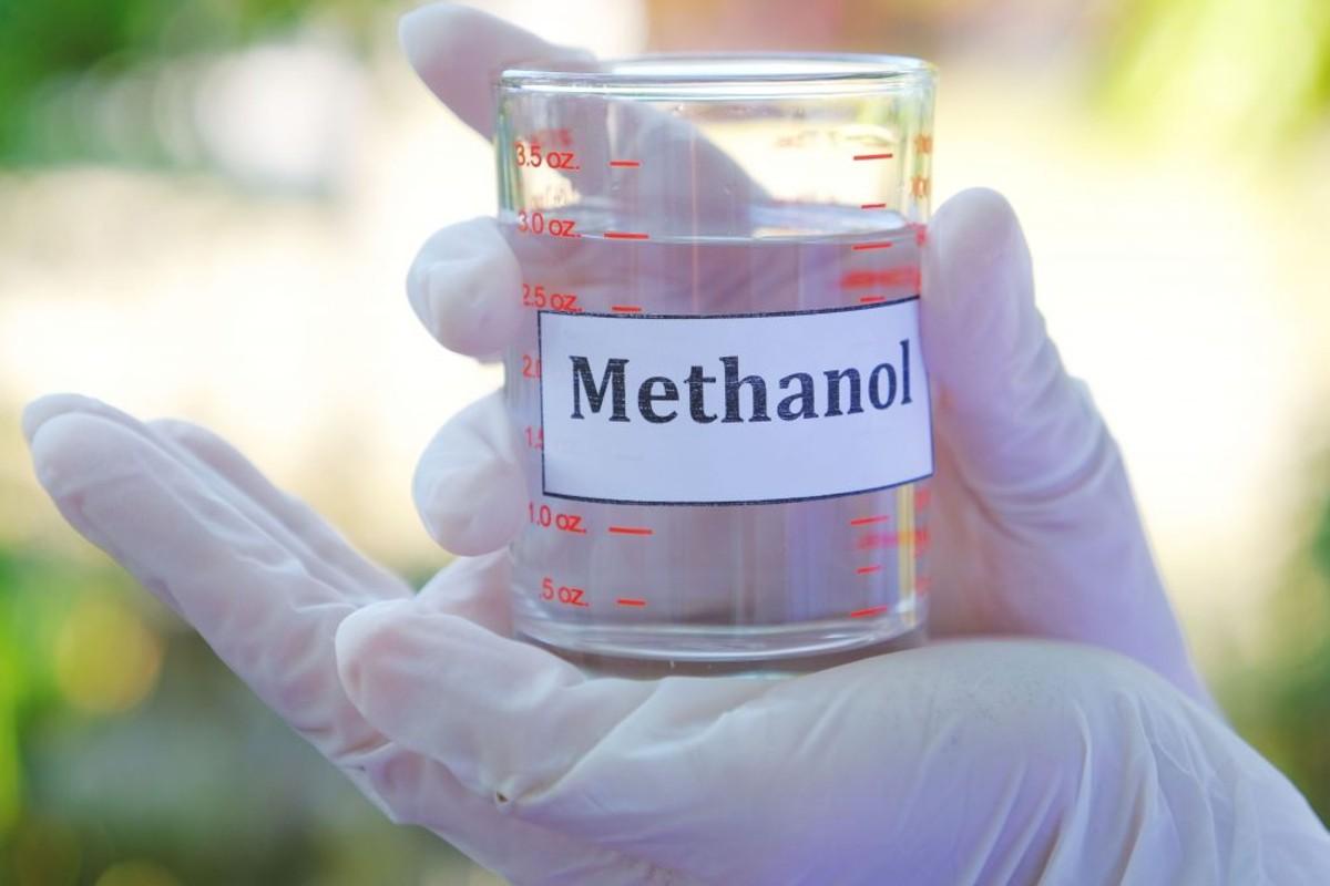 Vaso con metanol.