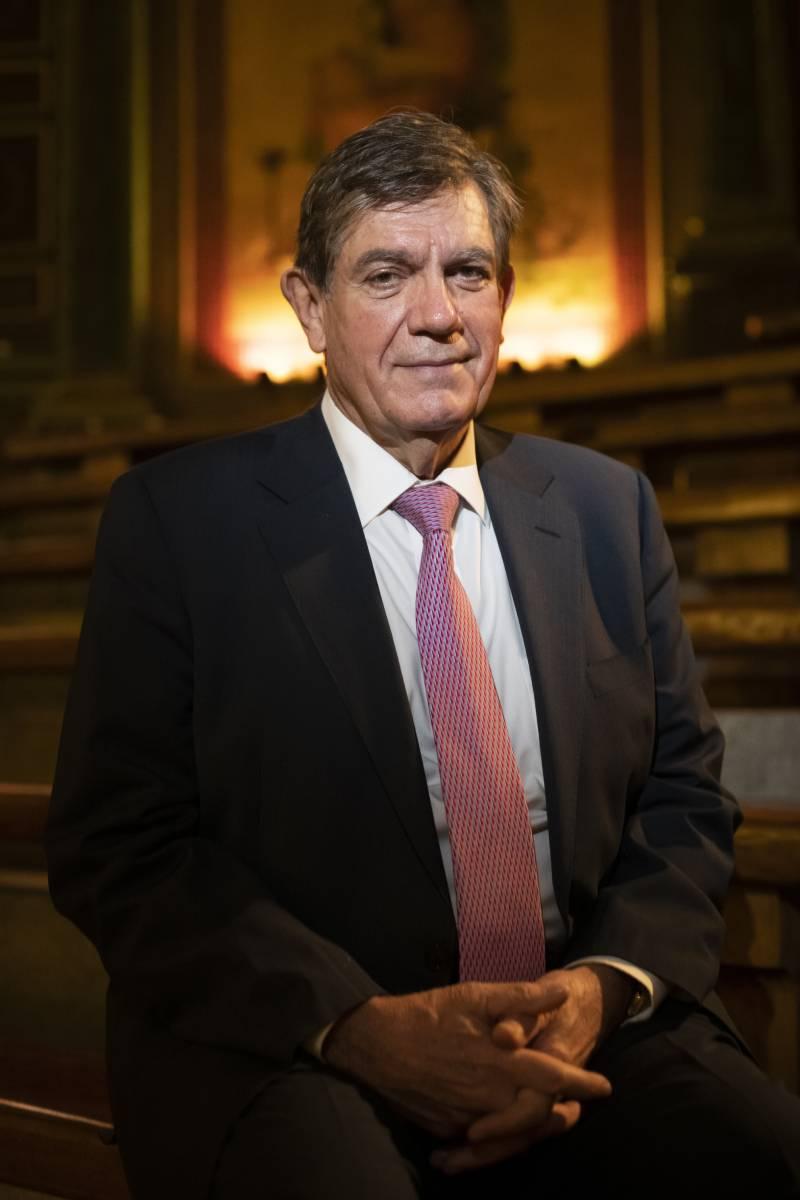 Pablo Lázaro Ochaita, candidato a la presidencia del Consejo de la Organización Médica Colegial (OMC) (Mauricio Skyckry)