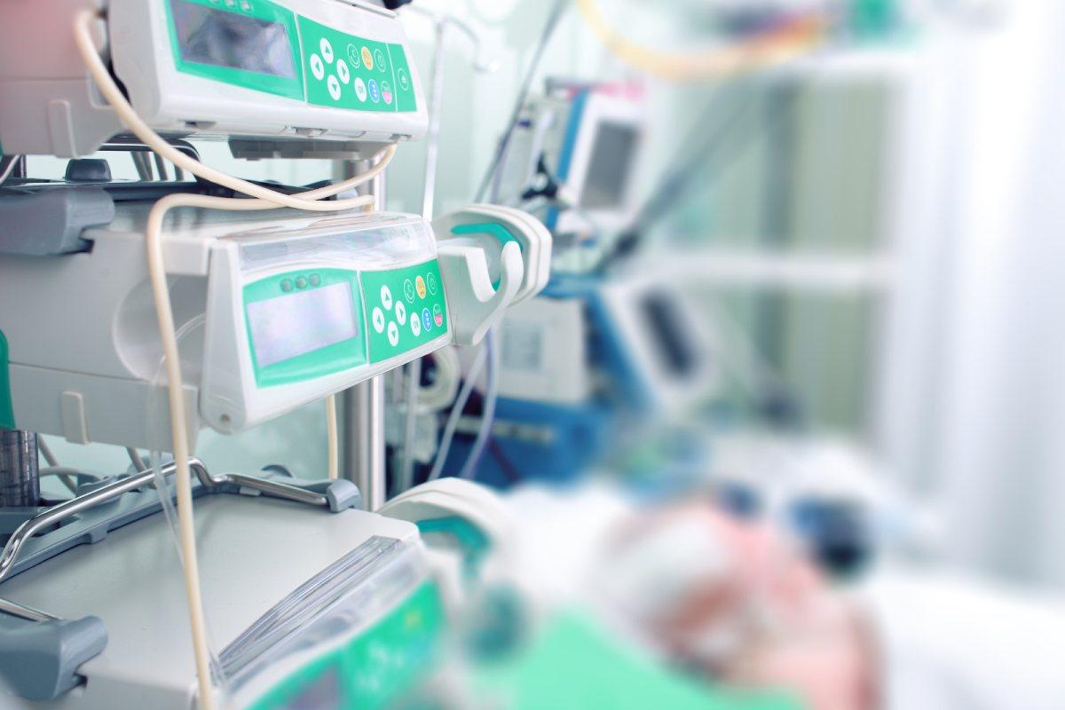 Desde el inicio de la pandemia, son ya 263.255 el total de pacientes hospitalizados y 22.848 el total de casos en UCI.