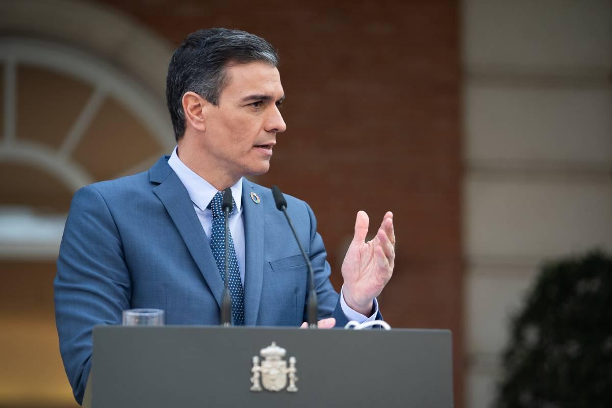 El presidente del Gobierno, Pedro Sánchez, se ha reunido con un grupo de ministros para valorar la puesta en marcha de los certificados de vacunación.