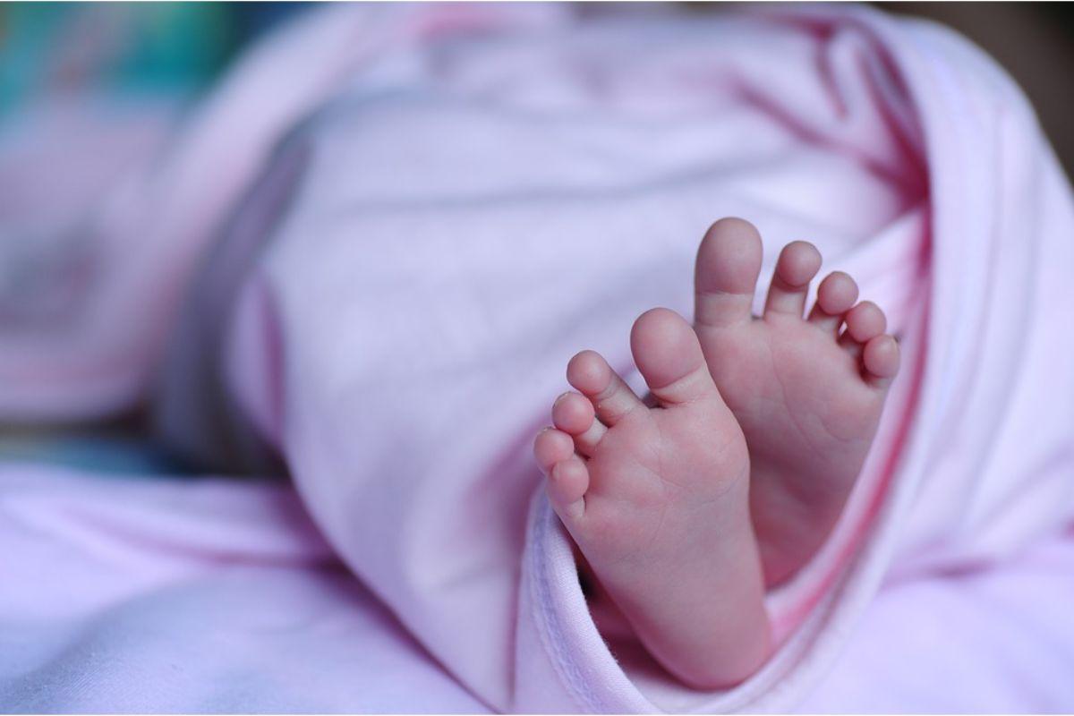 Un recién nacido ha sido sometido a lobectomía por mínima invasión.