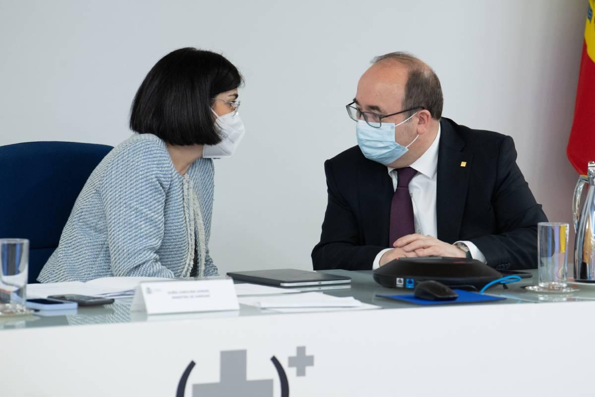 Carolina Darias, ministra de Sanidad, y Miguel Iceta, ministro de Política Territorial, en el Consejo Interterritorial del 10 de marzo (Moncloa / Borja Puig de la Bellacasa)