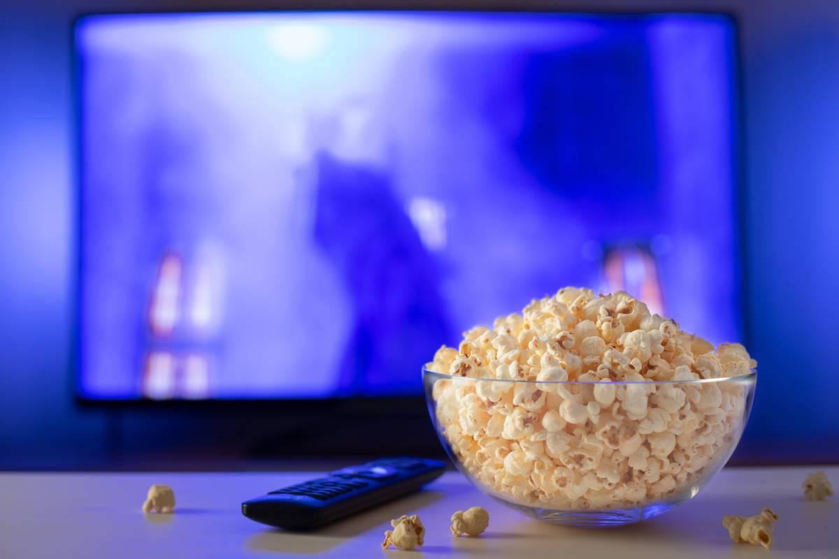 Ver una película o serie para descansar del estudio