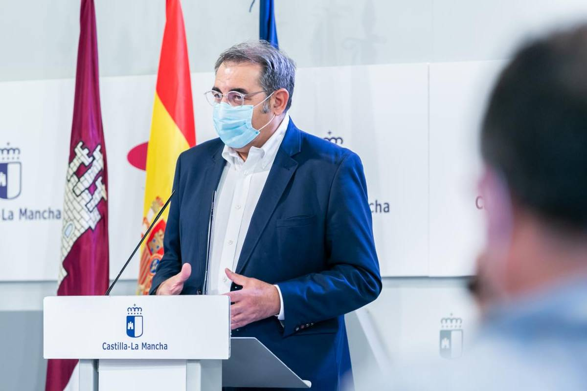 Jesús Fernández Sanz, consejero de Sanidad de Castilla-La Mancha.