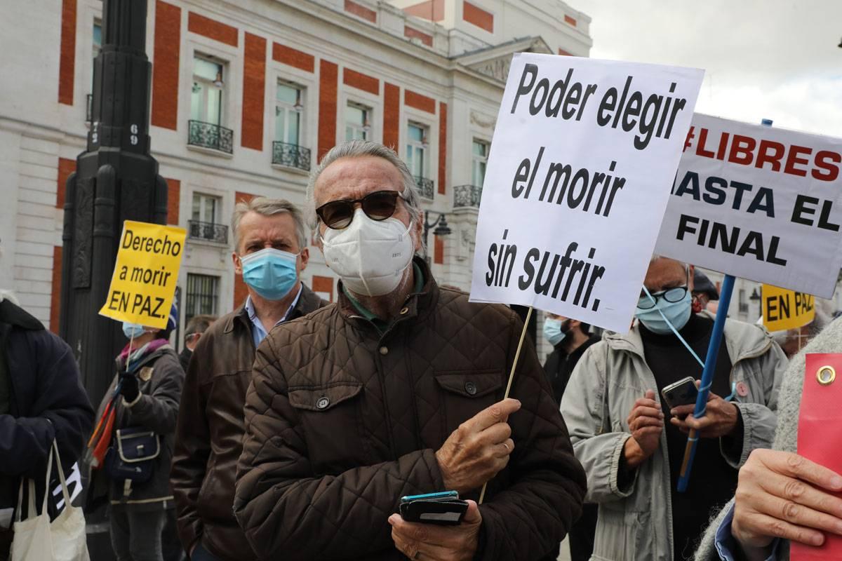 Manifestación a favor de la eutanasia en Madrid.