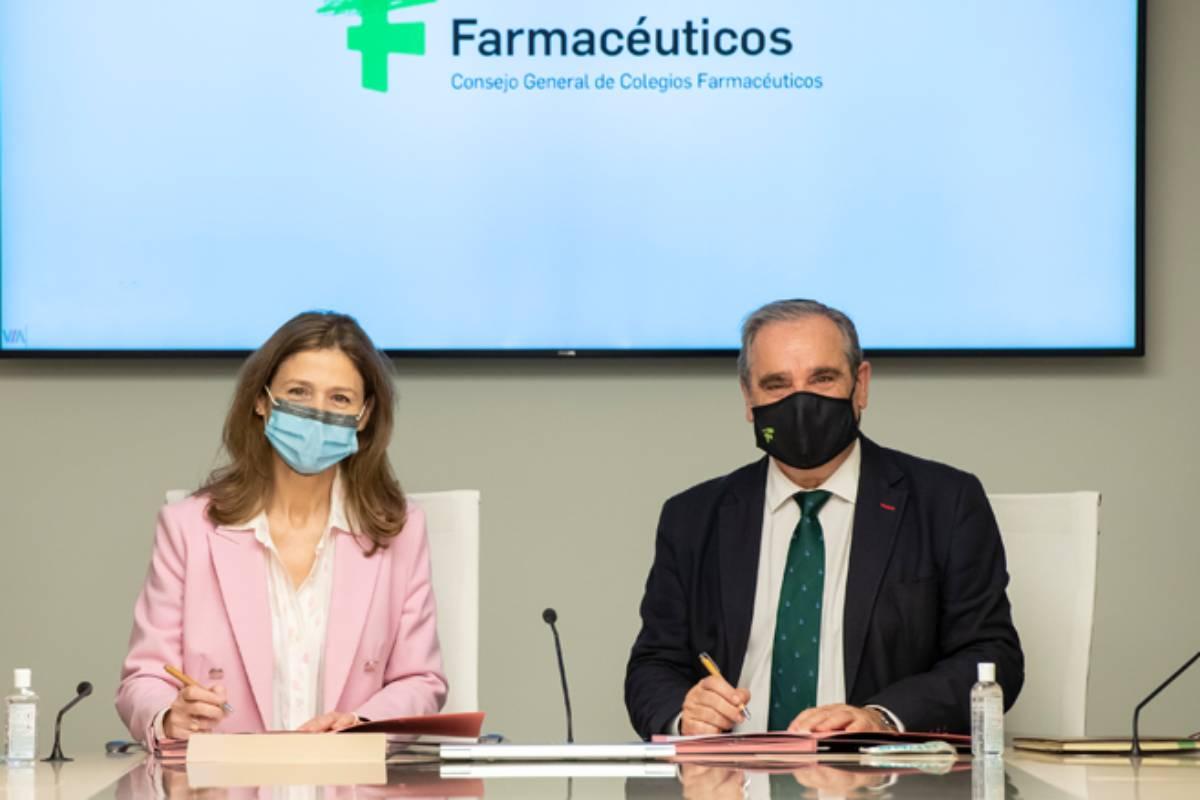 Mar�a Jesús Lamas D�az, directora de la Agencia Española de Medicamentos y Productos Sanitarios (Aemps), y Jesús Aguilar, presidente del Consejo General de COF.