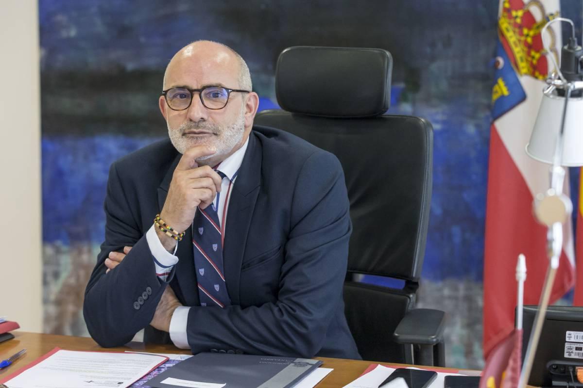 Miguel Rodríguez Gómez, consejero de Sanidad de Cantabria. /David Bustamante.