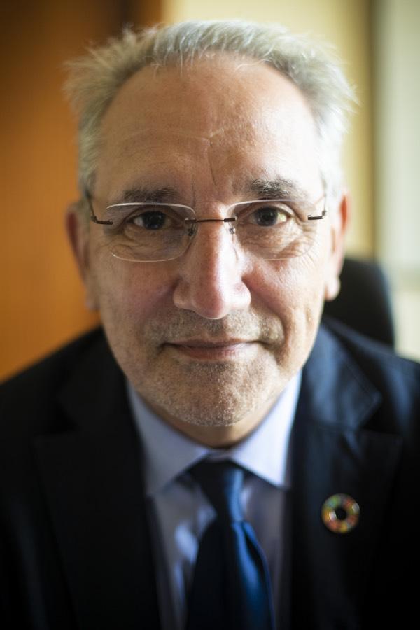 """Vicenç Mart�nez conf�a en los fondos europeos para abordar la """"mejora organizativa"""" del SNS (FOTO: Mauricio Skrycky)."""