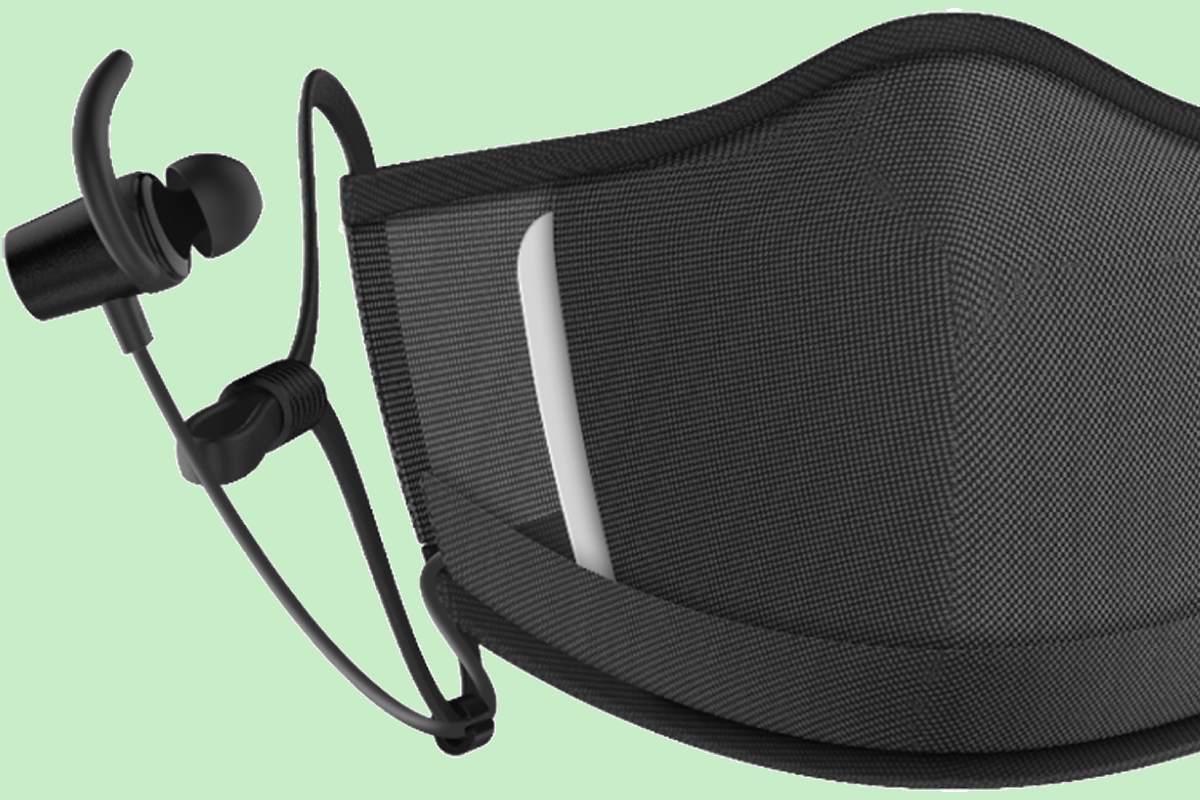 La mascarilla 'Maskfone', de la empresa Binatone, gracias  a su micrófono integrado y a los auriculares con cancelación de ruido, permite recibir llamadas y escuchar música sin necesidad de quitarse el tapabocas.