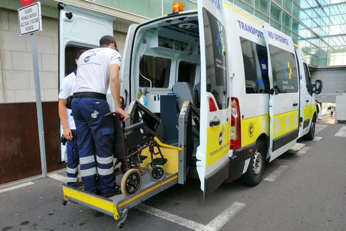 Ambulancia del Servicio Canario de Salud para el traslado de pacientes a centros sanitarios (FOTO: Gobierno de Canarias).