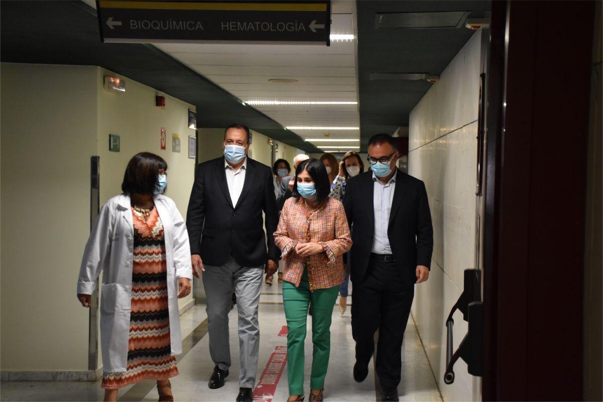 Carolina Darias, durante su visita hoy al Hospital Insular de Gran Canaria/FOTO: MInisterio de Sanidad.