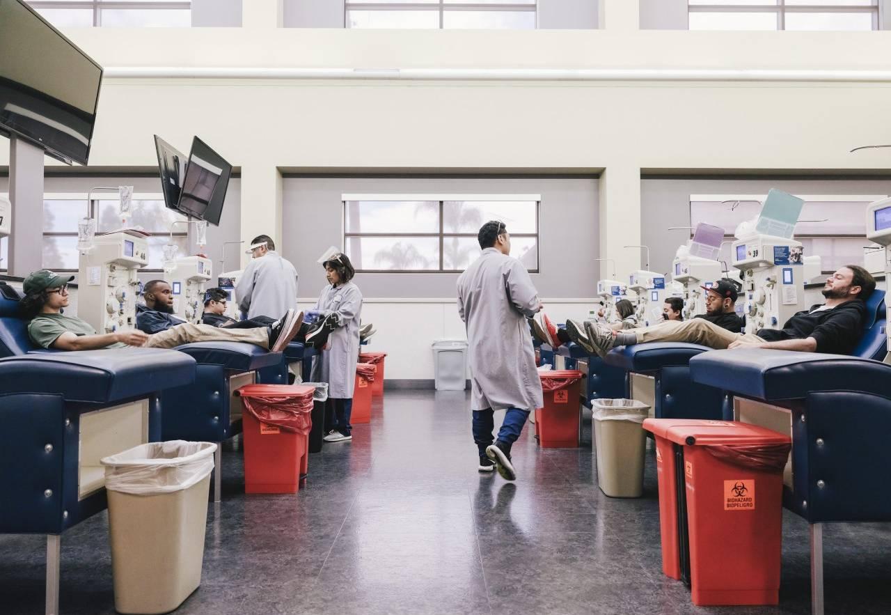 Centro de donación de plasma de la red de Grifols.