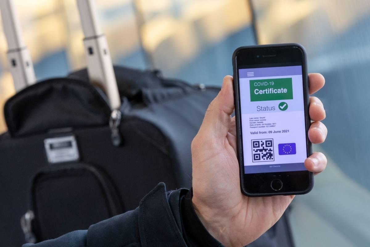 Posible apariencia del certificado UE covid-19 según información de la Unión Europea.
