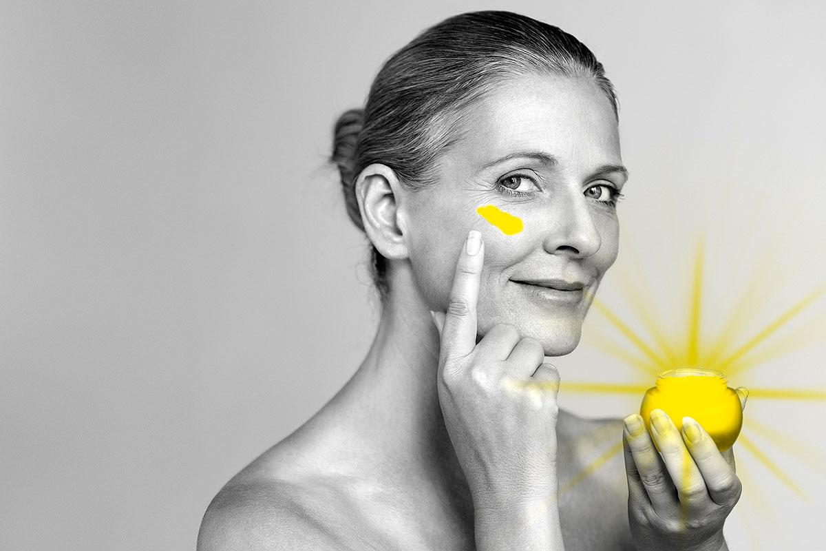 Con el uso diario de fotoprotectores se consigue alrededor del 80% de la prevención del envejecimiento prematuro de la piel.