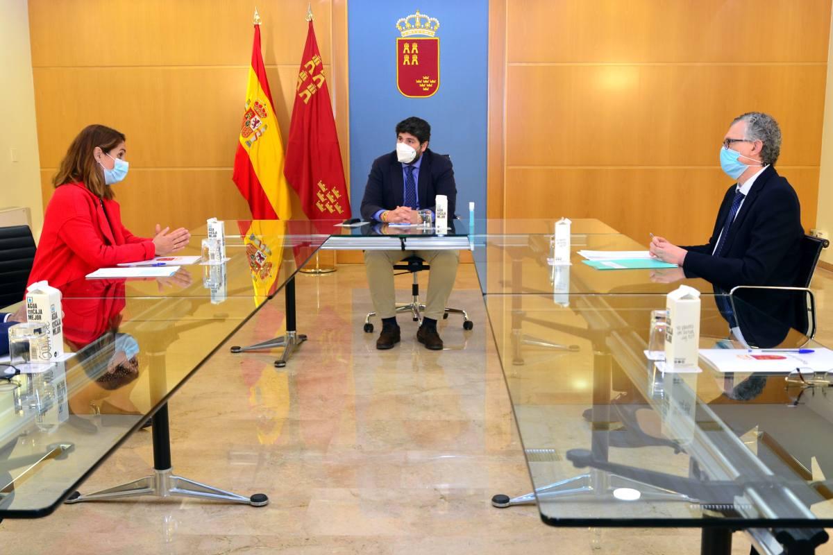 Payá, López Miras y Pedreño, durante la reunión que han mantenido este miércoles.