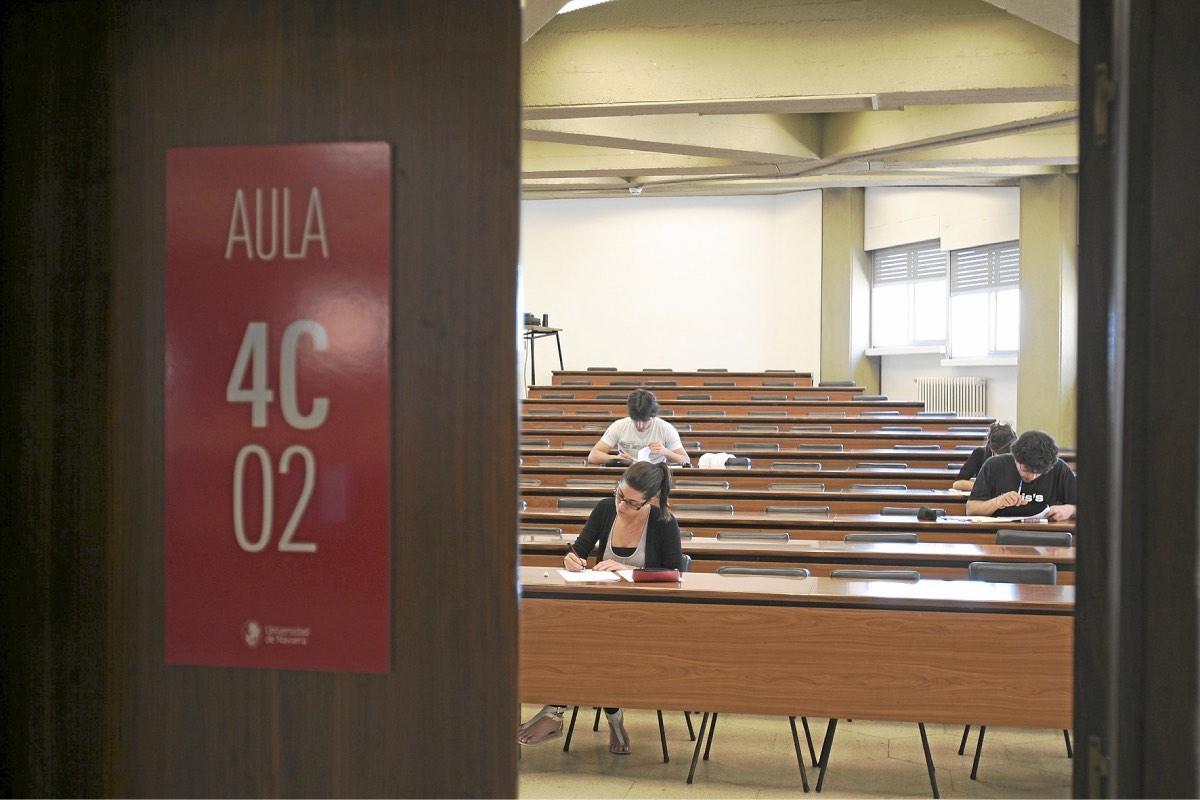El último informe estadístico del Ministerio de Universidades revela que los graduados en Ciencias de la Salud tienen el mejor expediente del sistema universitario (FOTO: DM).