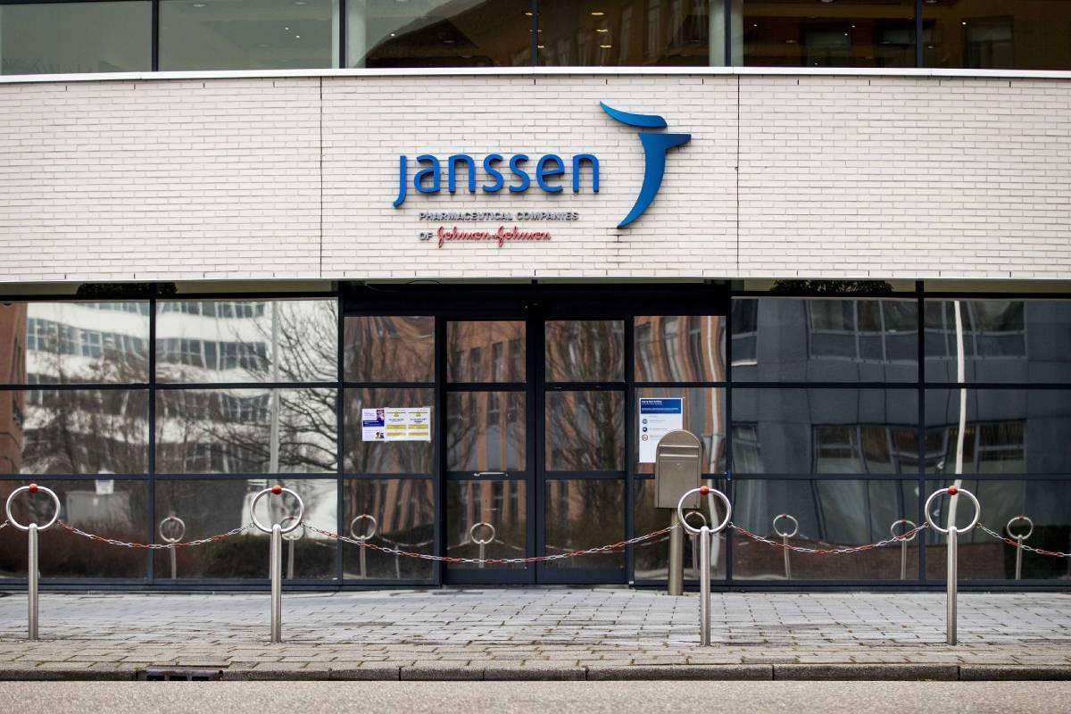Vista exterior del edificio de Janssen (Johhson & Johhnson), en Leiden (Holanda). Foto: EFE.