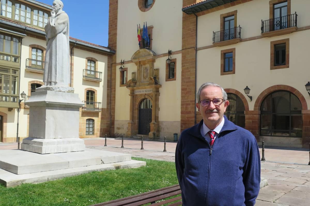 Jorge Arias, catedrático de Psicología de la Universidad de Oviedo.
