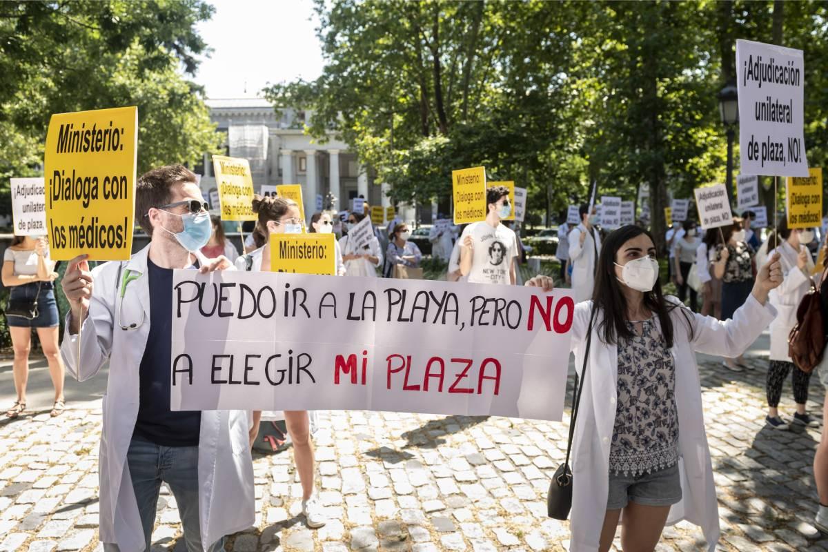 Manifestación de médicos convocada por CESM en 2020 a favor de una elección de plazas MIR presencial (Foto: José Luis Pindado)