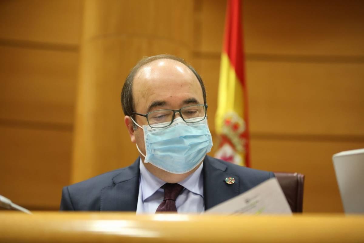 El ministro de Política Territorial y Función Pública, Miquel Iceta, durante su comparecencia en el Senado.
