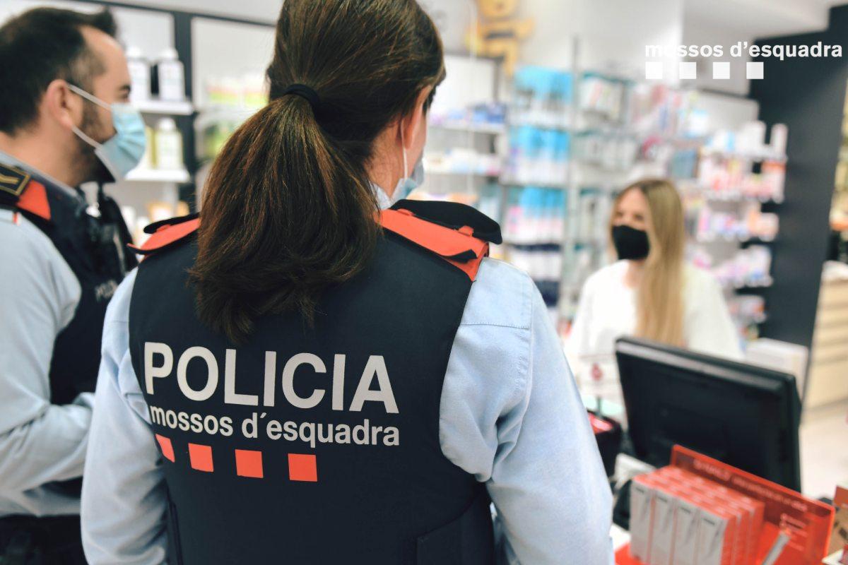 Con esta colaboración se pretende que cada farmacéutico conozca y pueda tener contacto con los agentes policiales de referencia en su territorio.