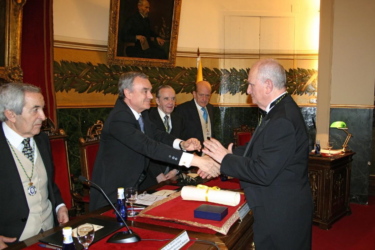 Manuel Serrano R�os, en 2009, durante su ingreso en la Real Academia de Medicina.