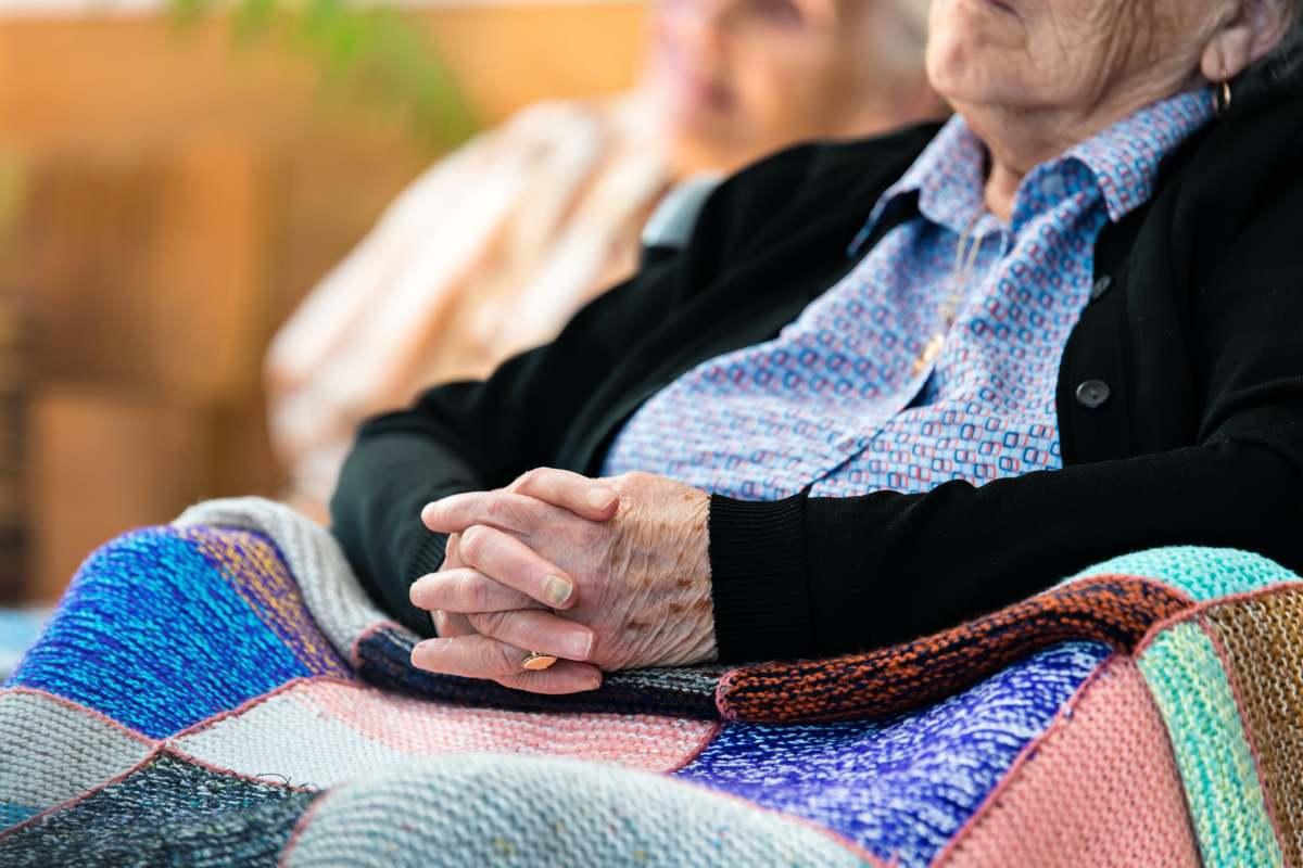 Las personas mayores son uno de los colectivos más vulnerables en la pandemia de la covid-19.
