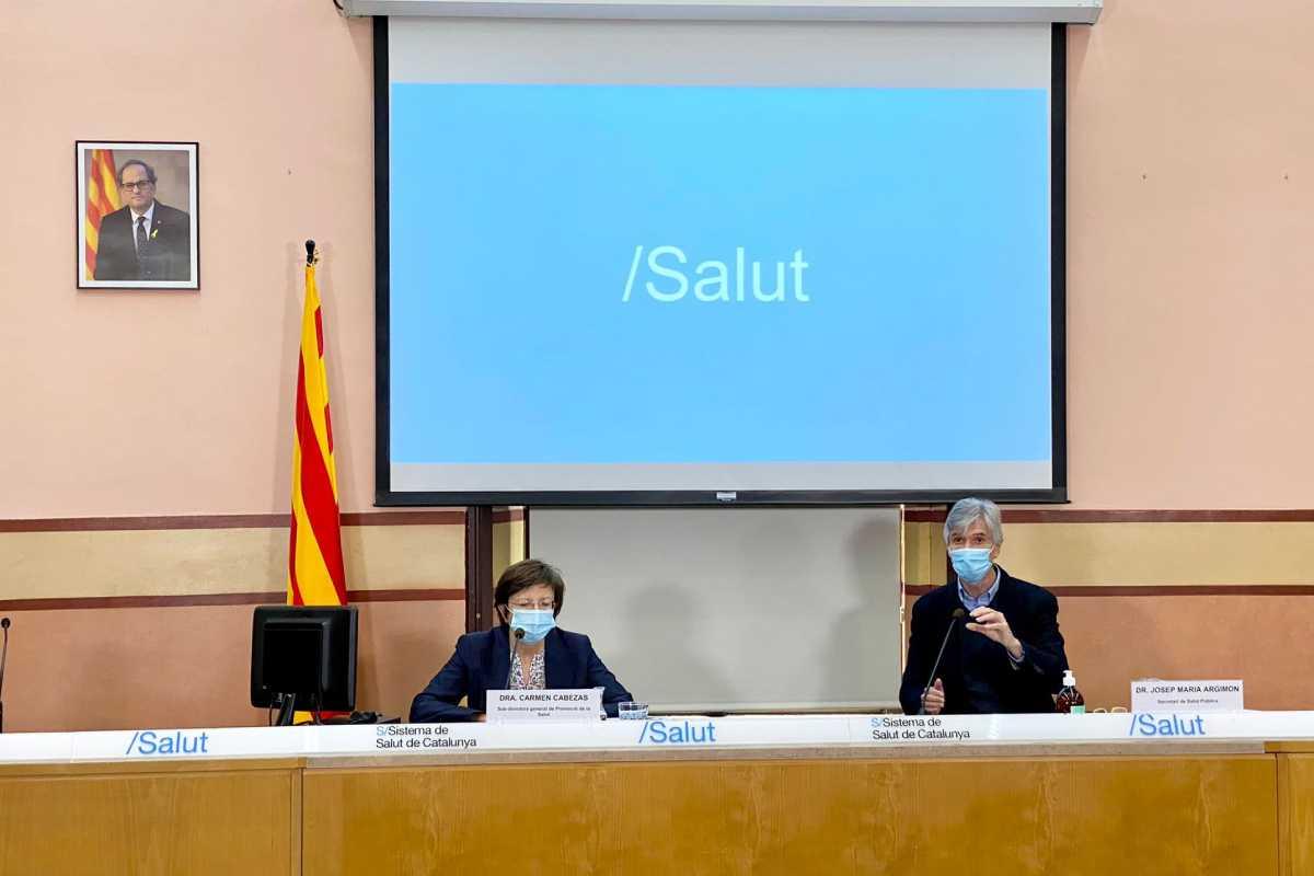 Carmen Cabezas con Josep Maria Argimon, en una rueda de prensa.